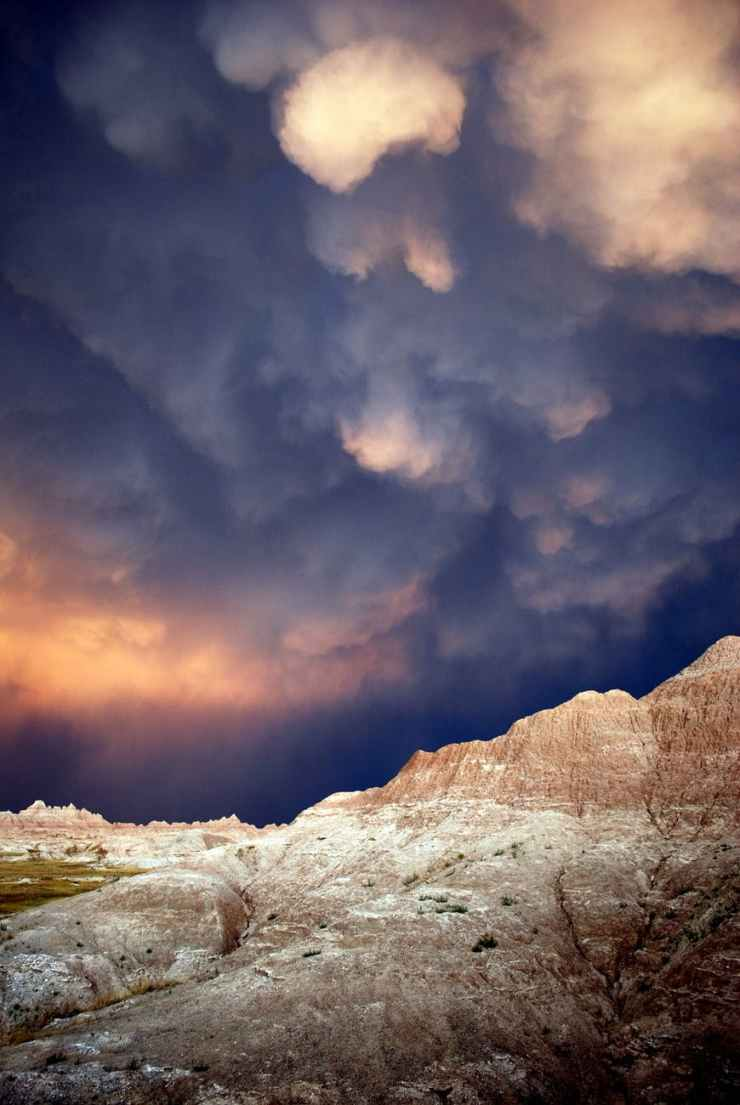 badlands national park cloud cloudburst clouds